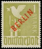 Lot n� 4702 - * - --- BERLIN 17 : 1m. olive, surcharge rouge, TB